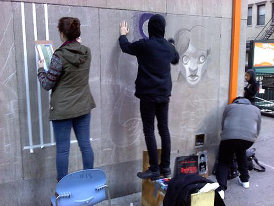street-artists-drawing-artwork